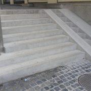 műkő lépcső